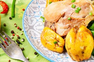 Saute with chicken and quince