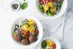 Wild rice and basmati, meatballs, to