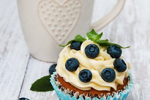 Cupcake with fresh berries