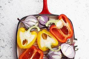 Fresh vegetables in the grill pan be