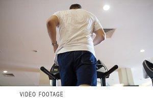 Training on running machine