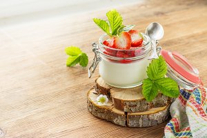 Homemade strawberry yogurt with fres