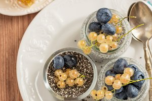 Milk pudding with chia seeds, bluebe