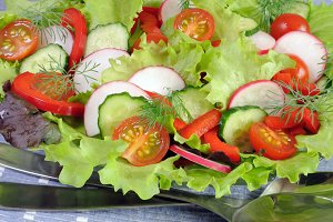 Summer salad of fresh vegetables