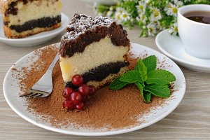 Cheese cake with poppy filling