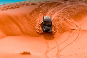 4x4 vehicles and dunes
