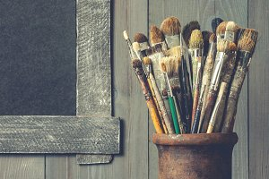 Old brushes artist. Artistic equipme