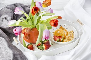 spring breakfast in bed