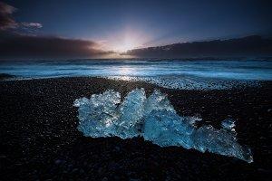 Ice blocks at Diamond beach in Icela