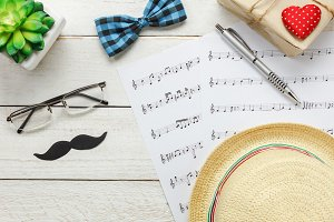 Music note with Fathers Day.