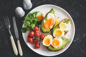 Poached egg and avocado toasts