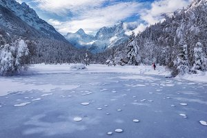 Lake Jasna on a winter day