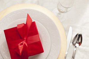 Christmas Gift with Table Setting