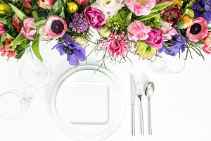 Table decoration spring flowers