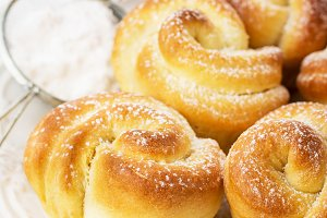 Buttermilk Dinner Buns