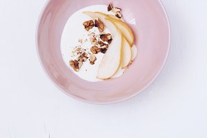 Yoghurt and pear