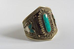 vintage bracelet with turquoise ston