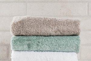Stack bath towels