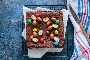 Brownies with chocolate eggs