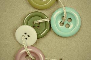 Buttons thread