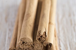 Cinnamon sticks, close-up vertical