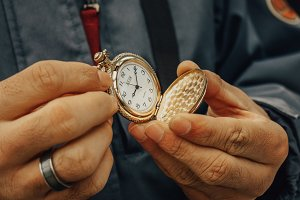 Old watch in the hands