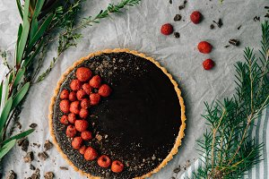 Chocolate & Raspberry Tart Dessert