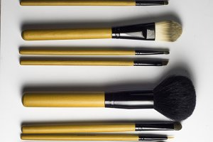yellow Professional Makeup Brushes