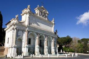 Big Fountain in Rome
