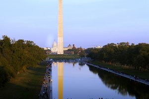 Tourists at Washington Monument