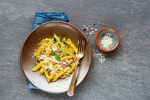 Pasta with vegetables and parmesan