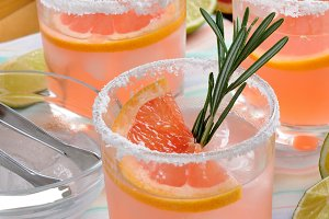 cocktail sparkling    pink Paloma