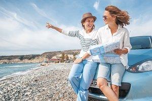 Girlfriends travelers