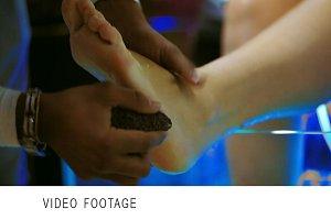 Feet peeling