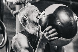 Crossfit Expression Man Wallball