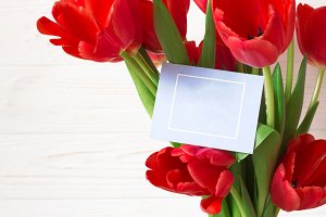 Mockup Greeting card in bouquet