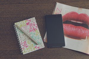 Smartphone, journal and schedule 1