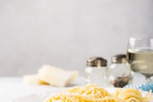 Spaghetti with pecorino cheese and pepper