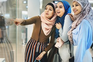 Islamic women friends shopping