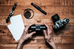 hands of the photographer