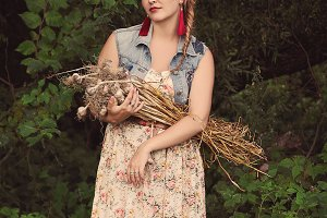 Hipster girl with garlic.