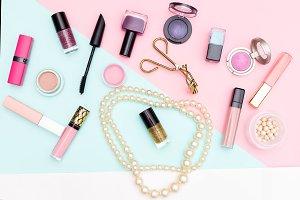 Set of decorative makeup