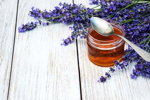 Jar of honey and lavender