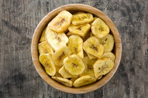 Banana chips in bowl