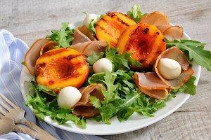 Salad of ham,nectarine and mozzarell