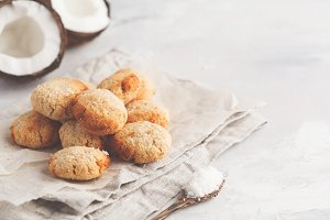 vegan homemade coconut cookies