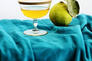 Champagne & Quince