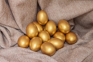 Heap of golden easter egg
