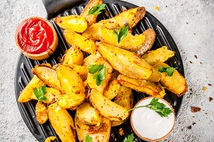 Baked fried potatoes