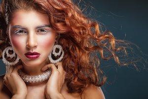 Fashion make-up and Jewelry